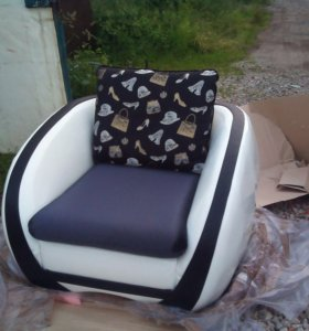 Кресло новое кожаное