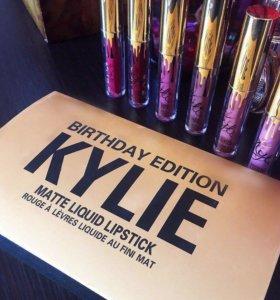 Матовые мини помадки от Kylie Jenner