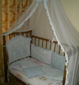 Кроватка с бортиками и матрасом+ванночка