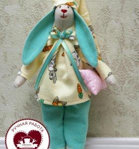 Заяц Тильда в пижамке.