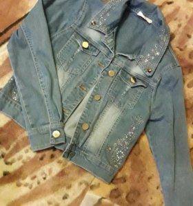 Куртка джинсовая со стразами (138 рост)