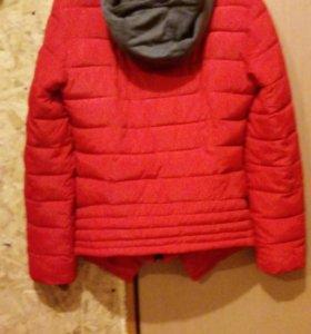 женская демесизонная куртка