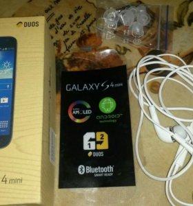 Телефон Samsung Gelaxsy S 4 minu