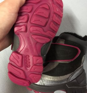 Зимние ботинки Ecco новые