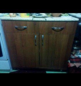 Кухонный стол (буфет)