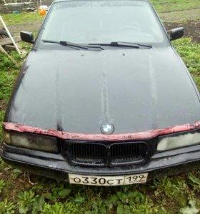 Автомобиль BMW 316i