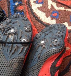 Кроссовки для легкой атлетики (шиповки) с шипами