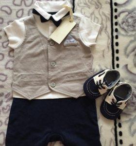 Новый костюм и пинетки mothercare