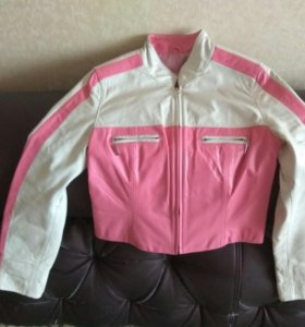 Кожаная женская куртка Новая S