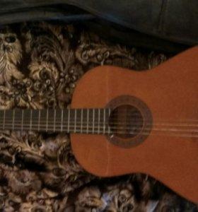 Гитара Valencia с чехлом