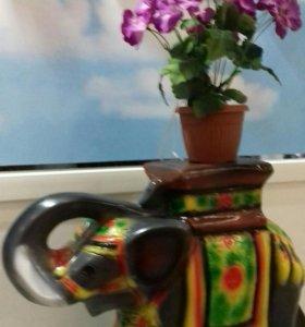 Подставка под цветы слон