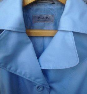Нежно голубой плащ Avalon