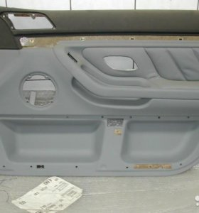 Обшивка переднейправой двери BMW e38