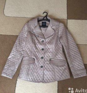 Легкая курточка 44 р
