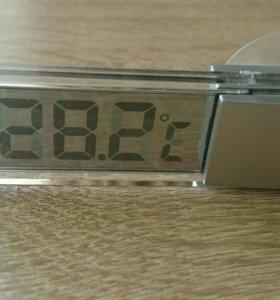 Цифровой термометр на стекло.