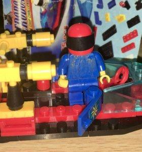 Катер Lego