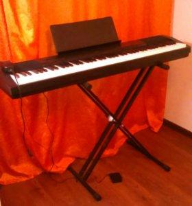 Электронное фортепиано б/ у