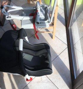 Автомобильное кресло BMW