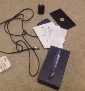 Коробка , наушники и тд от iPhone 5