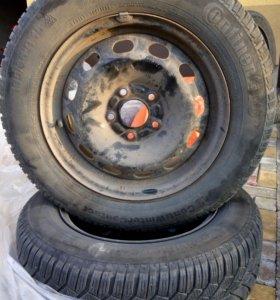 Зимние шины  с дисками 195/65 R15
