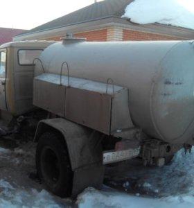 ГАЗ 4301 ассенизаторская машина.