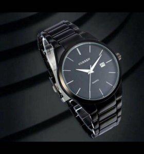 Классические черные Часы