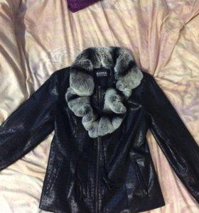 Куртка с мутоновым воротником
