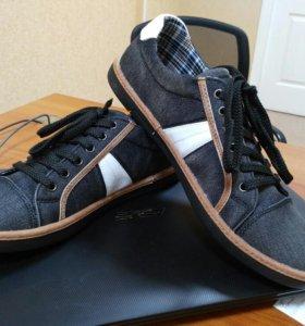 Тканевые кроссовки (новые)