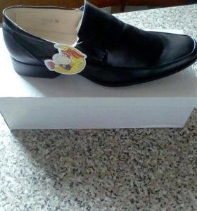 Новые ботинки 36-37 р
