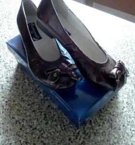 Новые туфли 33,35 р