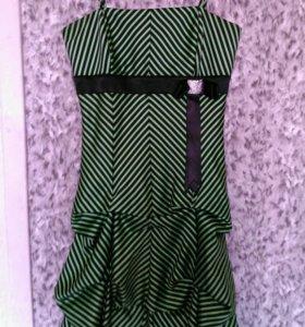 Атласное коктейльное платье 40-42 р-р