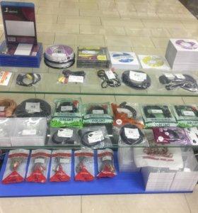Чистые диски, кабели, аксессуары