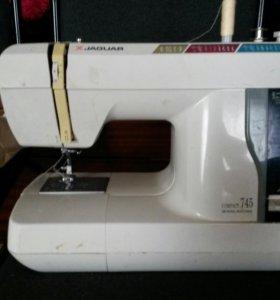 швейная машинка JAGUAR 745/444
