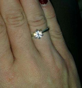 Кольцо серебро цирконий