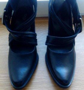 Брендовые новые кожанные туфли