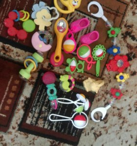 Игрушки для малышей.