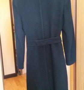 Пальто черное с поясом двубортное 44-46р.