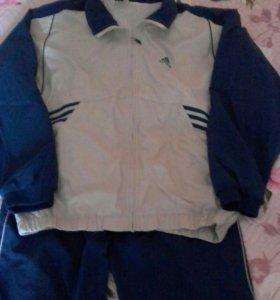 Спортивный мужской костюм.adidas
