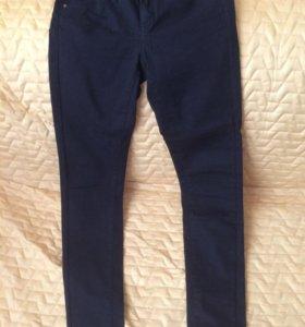 Обтягивающие брюки размер 34