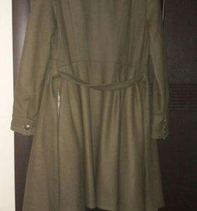 Продам женское пальто фирмы Acasta