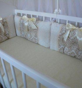 Бортики-подушки в кроватку, одеяло на выписку