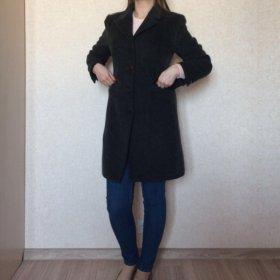 Шерстяное пальто .