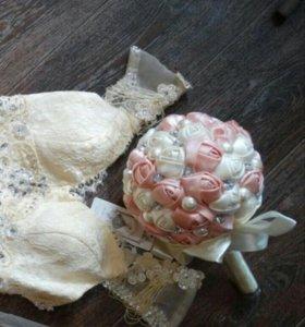 Букет невесты из атласных роз свадебный НОВЫЙ