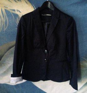 Черный пиджак Stradivarius