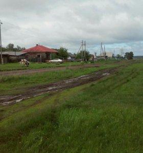 Земельный участок с летним домиком