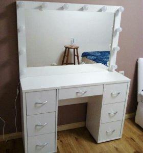 Макияжный стол с ящиками,гримёрный стол с зеркалом