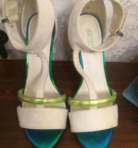 Туфли (босоножки) белые