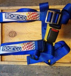 Четырехточечный ремень безопасности sparco.