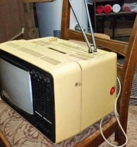 Ретро Телевизор переносной цветной
