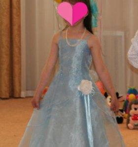 Нарядное Платье на 6-8 лет.